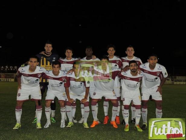 Defensores eliminó a San Lorenzo y jugará con Unión de Sunchales en semifinales