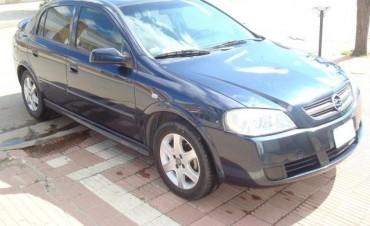 Apareció en ruta 9 el Chevrolet Astra Azul