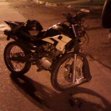 Accidente entre una camioneta y una moto en Ramallo