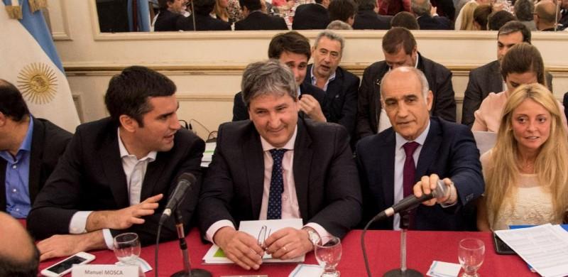 El ministro Gigante presentó en la Legislatura el presupuesto 2018 para Infraestructura