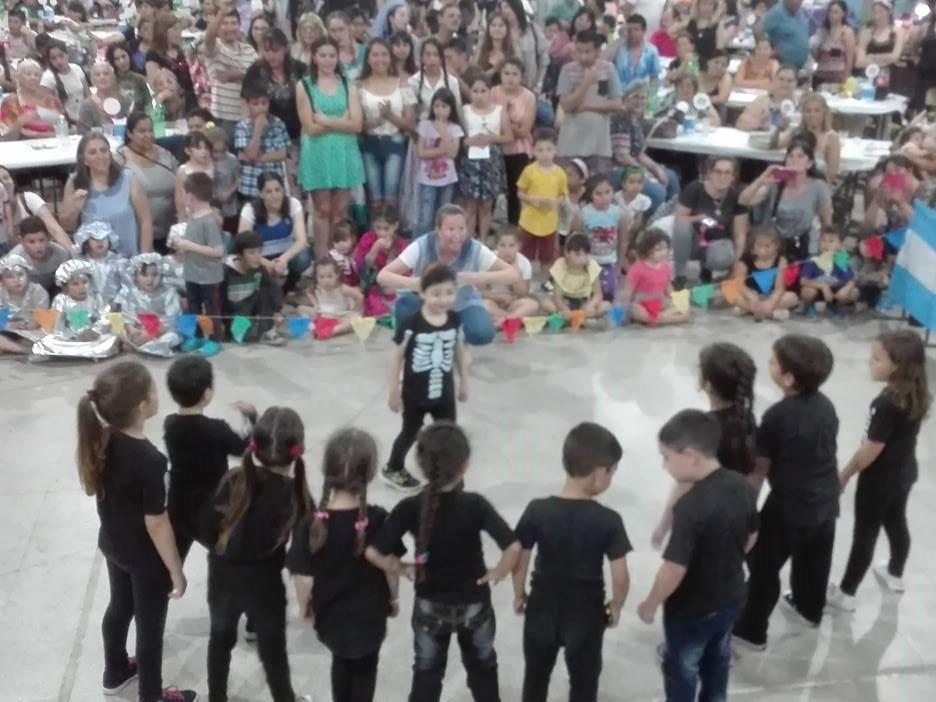 EES 5 de Villa General Savio: La fiesta de la colectividad Argentina convocó a una multitud