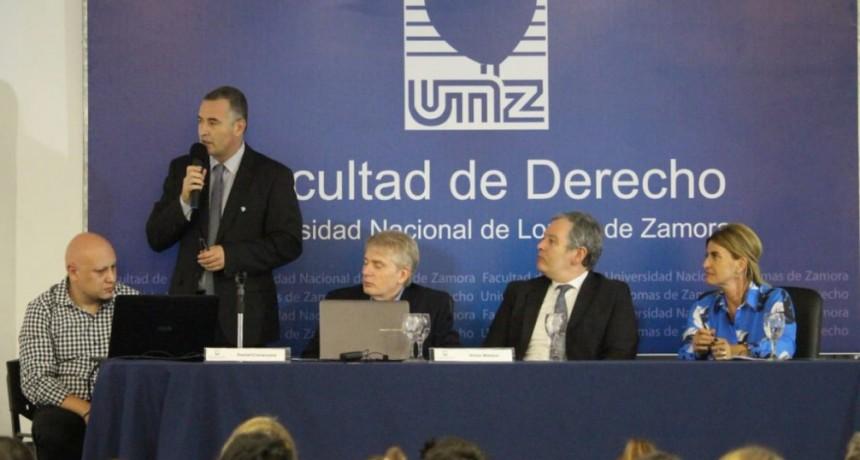 El Intendente Poletti disertó en la UNLZ