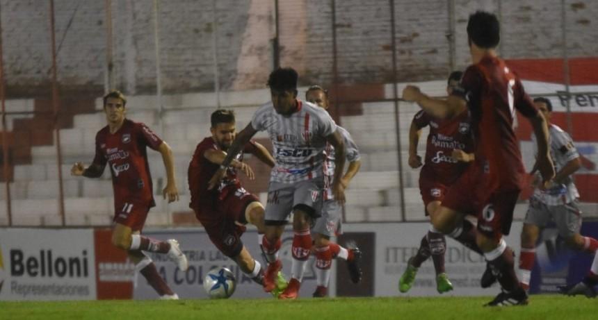 Defensores no aprovechó su momento y se quedó sin nada en Paraná