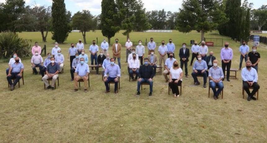 Los intendentes de JxC almorzaron en La Plata: piden más fondos coparticipables y revisar obras del Presupuesto