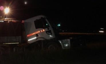 Chocan dos camiones en la ruta 9