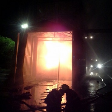 Bomberos apagó un incendió en la empresa Fiplasto