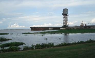 El río Paraná sigue creciendo