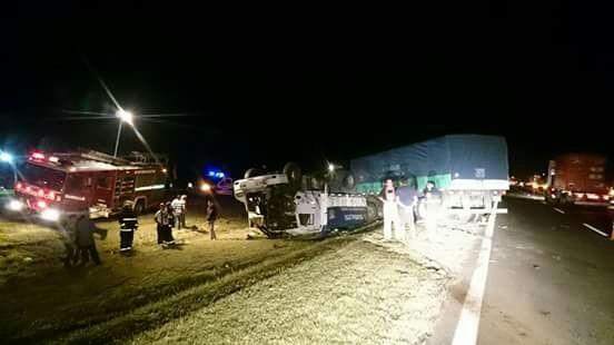 Chocaron dos camiones en la ruta 9