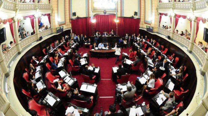 En enero se debate en la legislatura provincial la posibilidad de adelantar las elecciones municipales