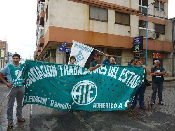 ATE Ramallo protesta frente al Consejo Escolar