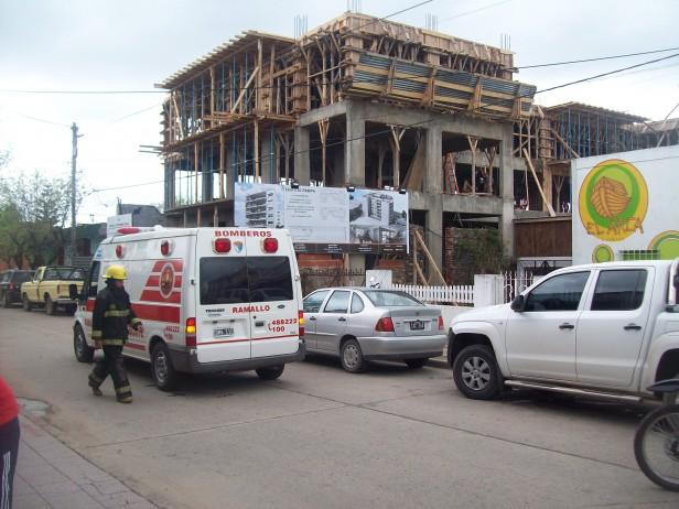 Obrero herido en una obra en construcción